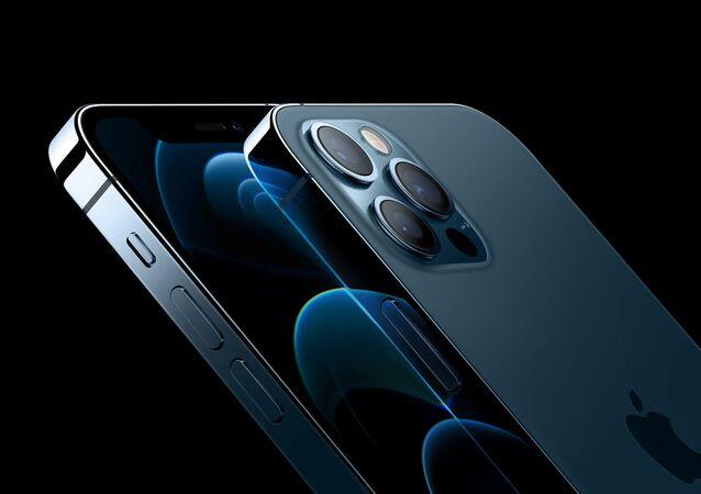 هاتف آيفون 12  و أيفون برو 12، كاليفورنيا الولايات المتحدة 13 أكتوبر 2020