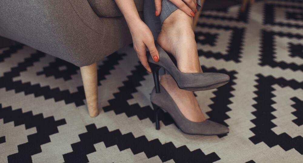 قدمي امرأة