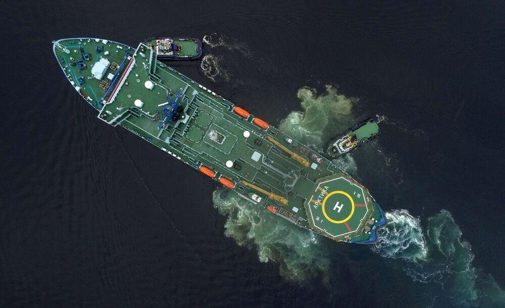 كاسحة الجليد النووية أركتيكا  تعود إلى مورمانسك، روسيا 12 أكتوبر 2020