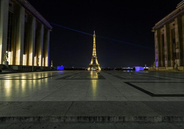 فرنسا تفرض حظر التجول لاحتواء وباء كورونا في البلاد، كوفيد - 19، 17 أكتوبر 2020