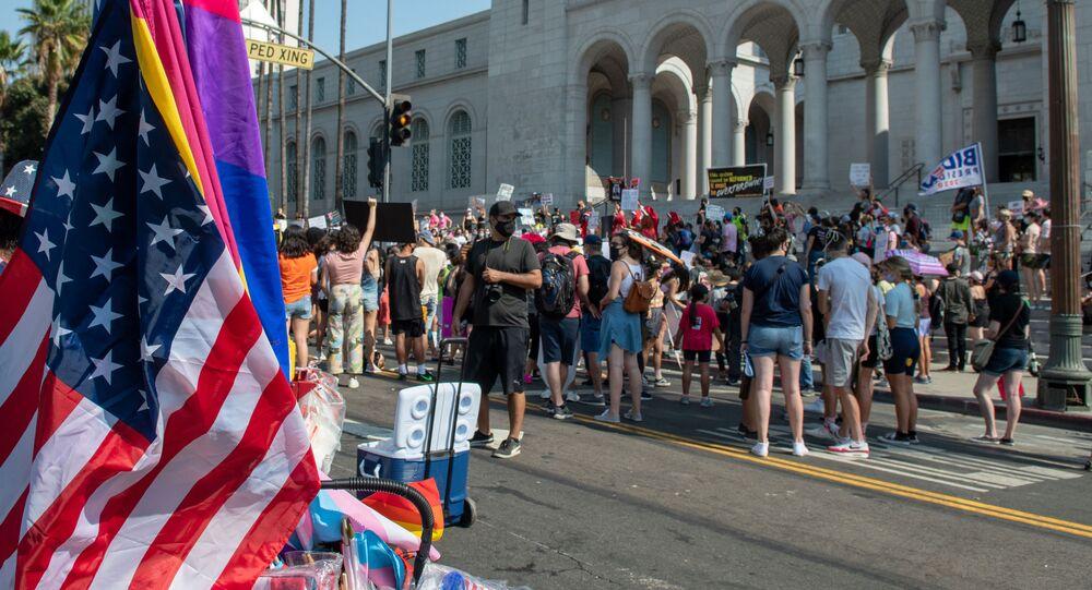 الانتخابات الرئاسية الأمريكية - احتجاجات ضد دونالد ترامب في مدينة لوس أنجلوس، الولايات المتحدة الأمريكية 17 أكتوبر 2020