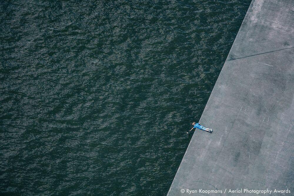 صورة بعنوان الحافة، للمصور الكندي روان كوبمانس، الفائزة في فئة التصوير أخرى من مسابقة جوائز التصوير الجوي لعام 2020