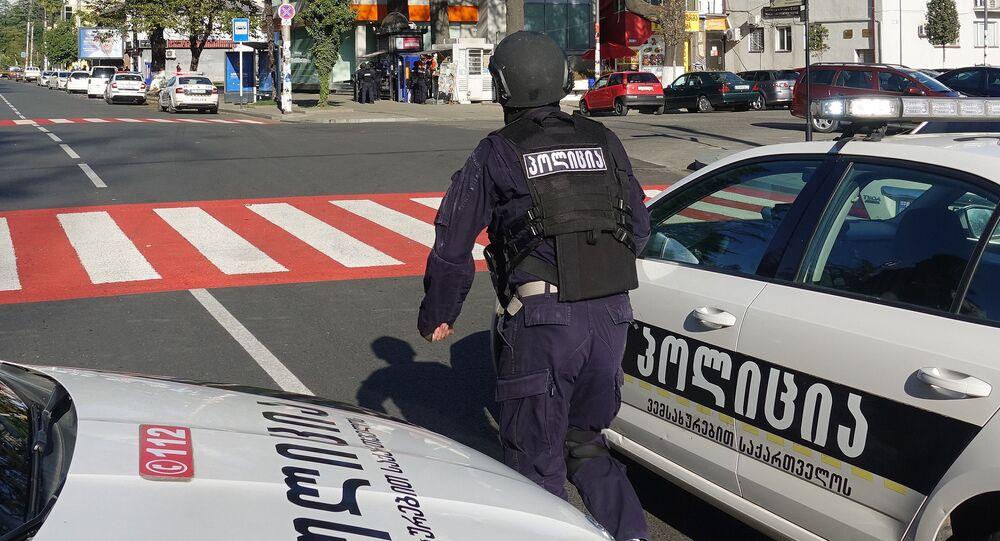 الشرطة الجورجية في موقع احتجاز الرهائن في بنك جورجيا في مدينة زوغديدي، جورجيا، 21 أكتوبر 2020