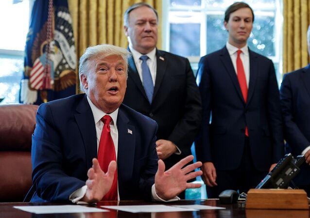 الرئيس الأمريكي دونالد ترامب يتحدث عن اتفاق بشأن السودان في المكتب البيضاوي في البيت الأبيض في واشنطن، الولايات المتحدة، 23 أكتوبر/ تشرين الأول 2020