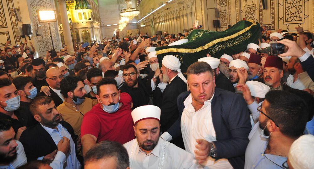 دمشق تشيع أحد أبرز علمائها المسلمين الذي اغتاله إرهابيون