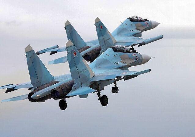 مناورات الطيران الحربي الروسي في كاريليا الروسية - الجيش الروسي، مقاتلات سو - 30 إس إم و سو - 35 إس