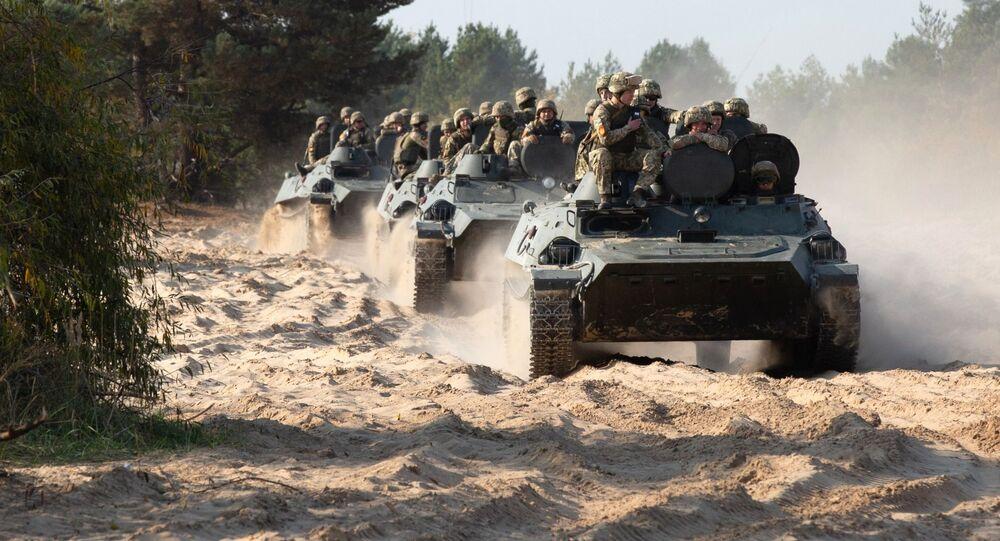 مناورات الجيش الأوكراني في إقليم كييفسكايا، أوكرانيا