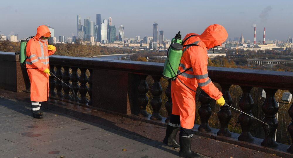عملية تطهير واسعة النطاق في موسكو، في إطار مكافحة تفشي فيروس كورونا، روسيا 28 أكتوبر 2020