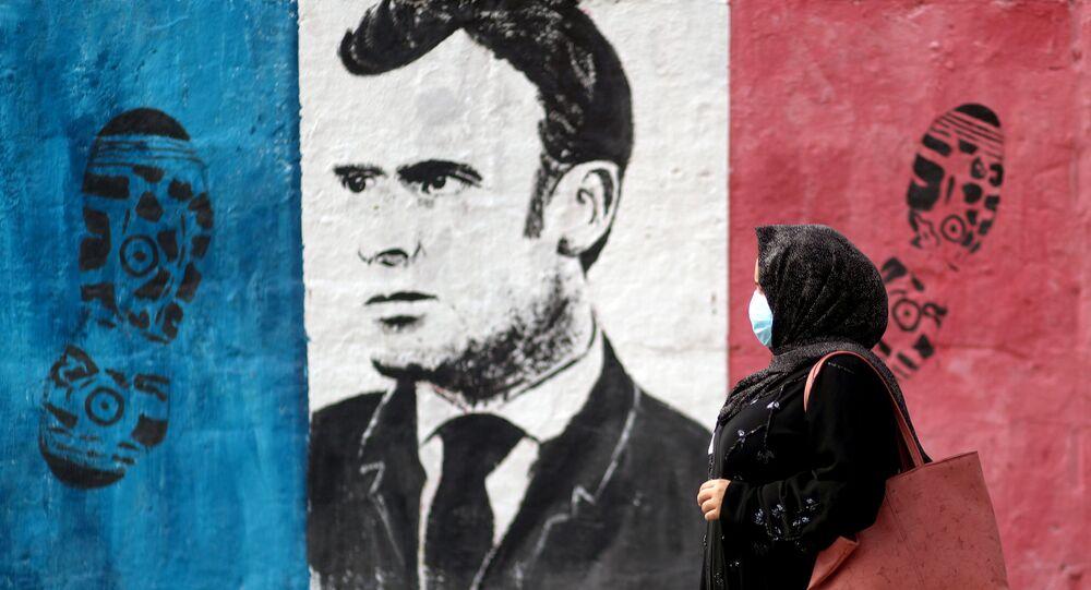 حملة جماهرية احتجاجية ضد تصريحات الرئيس الفرنسي إيمانويل ماكرون حول رسومات الكاريكاتير المسيئة للرسول محمد (ص) في غزة، قطاع غزة 28 أكتوبر 2020