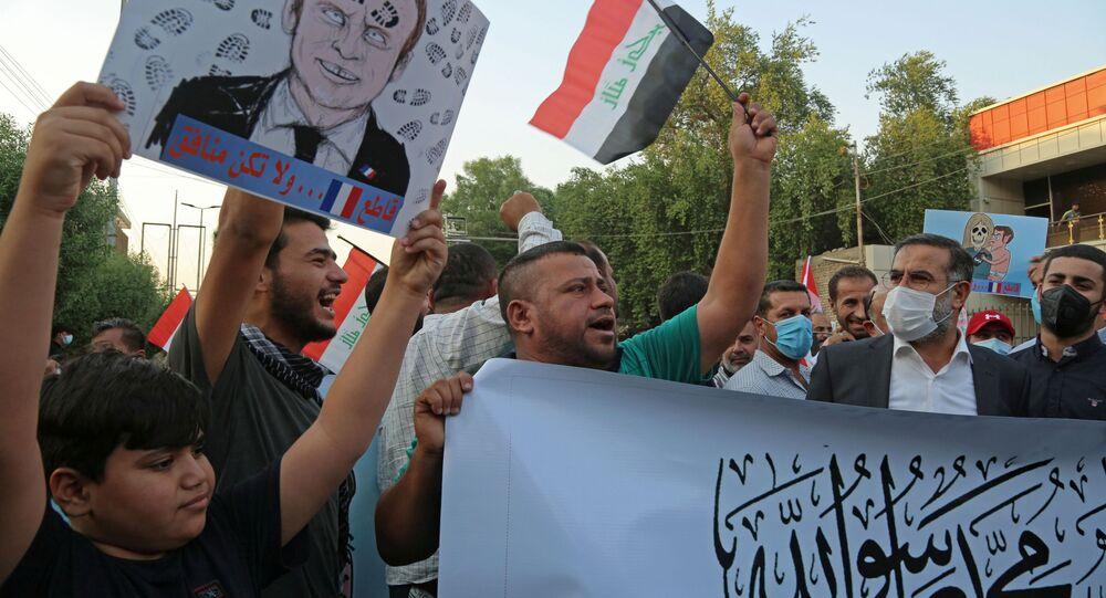 حملة جماهرية احتجاجية ضد تصريحات الرئيس الفرنسي إيمانويل ماكرون حول رسومات الكاريكاتير المسيئة للرسول محمد (ص) في بغداد، العراق 26 أكتوبر 2020
