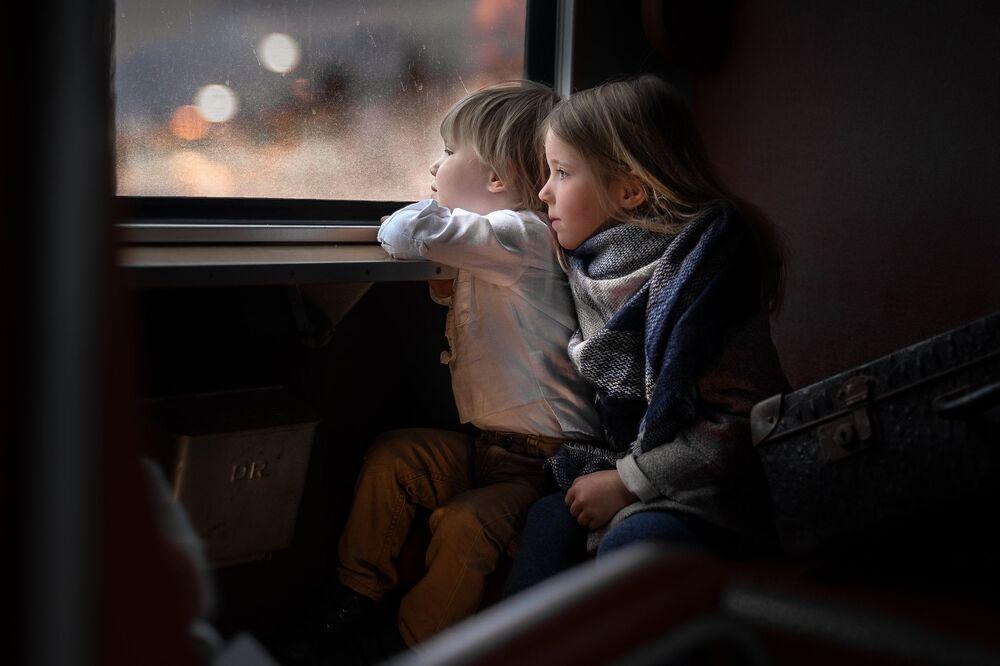صورة بعنوان رحلة إلى عالم الأحلام، للمصور البولندي  إيونا بودلاسينسكا، التي فازت في فئة ثابت الحركة/ مصور فيديو لهذا العام للمصورين المحترفين في مسابقة جوائز التصوير الدولية 2020