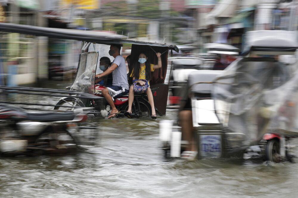 تداعيات إعصار مولافي في شوارع الفلبين، 26 أكتوبر 2020