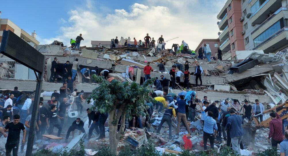 زلزال قوته 6.6 ريختر يضرب مدينة إزمير غربي تركيا 30 أكتوبر 2020