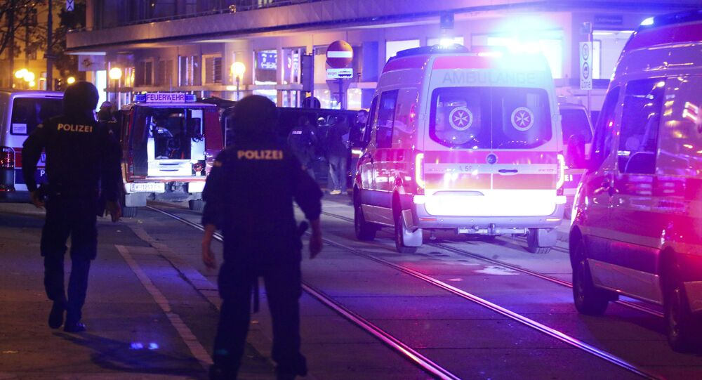الشرطة في موقع الهجوم الإرهابي في النمسا