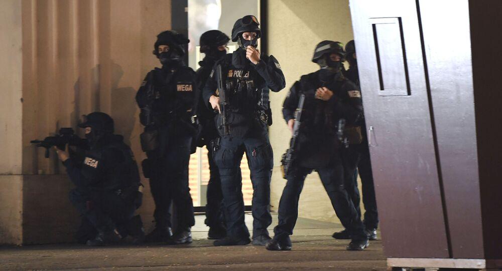 الشرطة في موقع الهجوم في فيينا