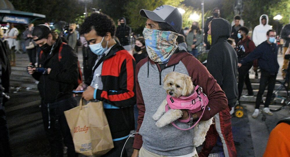 اندلاع الاحتجاجات بعد التصويت في الانتخابات الرئاسية الأمريكية 2020، نيويورك، الولايات المتحدة، 6 نوفمبر 2020