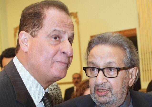 الفنان المصري نور الشريف مع الموسيقار المصري هاني مهنا