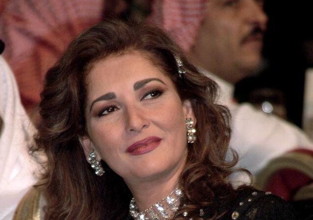 الممثلة المصرية آثار الحكيم