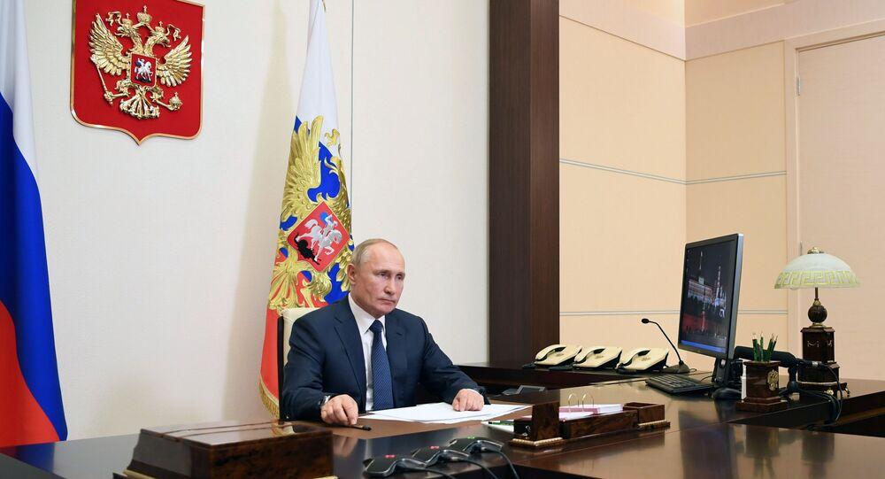 الرئيس الروسي فلاديمير بوتين خلال بيان بشأن اتفاق إنهاء الحرب في ناغورني قره باغ الاثنين 9 نوفمبر/تشرين الثاني