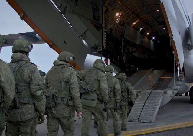 إرسال قوات حفظ السلام الروسية إلى قره باغ، بعد توقيع اتفاق لإنهاء الحرب بين أرمينيا وأذربيجان 10 نوفمبر 2020