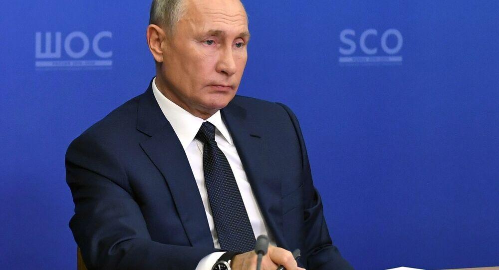 الرئيس الروسي فلاديمير بوتين يشارك في قمة منظمة شانغهاي للتعاون عبر الانترنت، 10 نوفمبر 2020