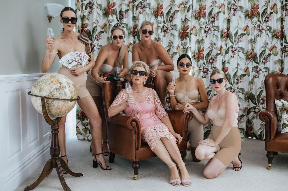 تصوير المصور النيوزيلندي كورالي جونستون، الفائز في فئة التصوير حفل ما قبل الزواج من المسابقة الدولية مصور الزفاف لعام 2020