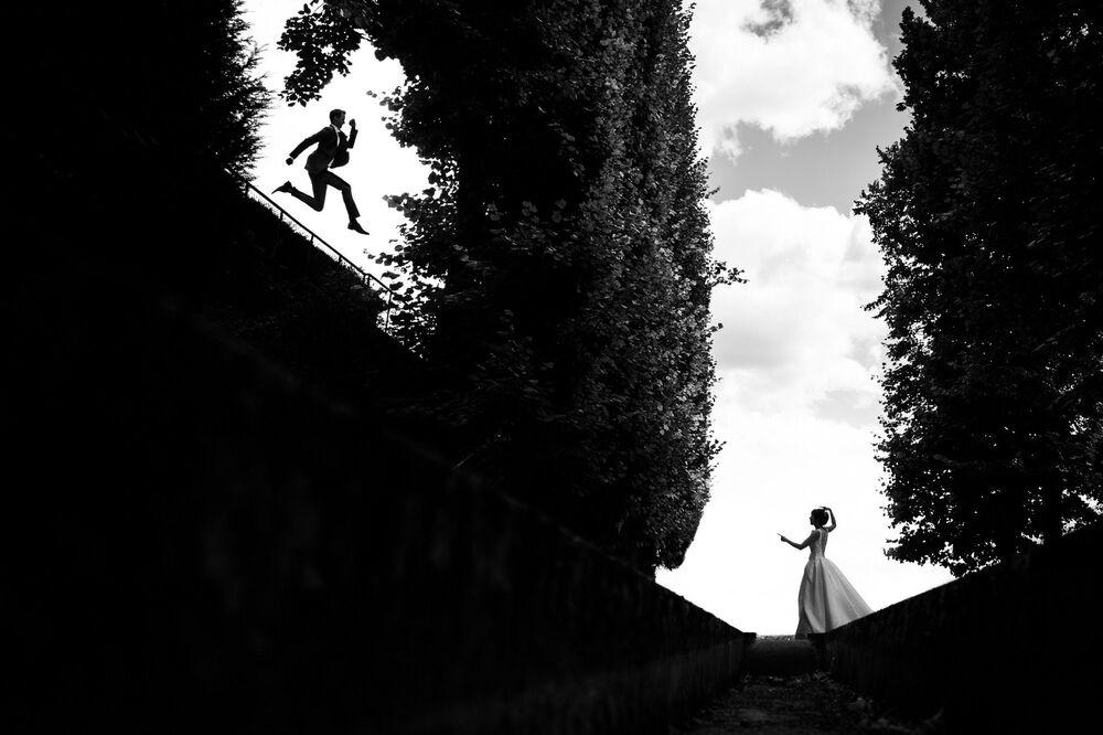 تصوير  المصور الفرنسي باتريك لومبيرت، الفائز في فئة التصوير صورة للزوجين من المسابقة الدولية مصور الزفاف لعام 2020