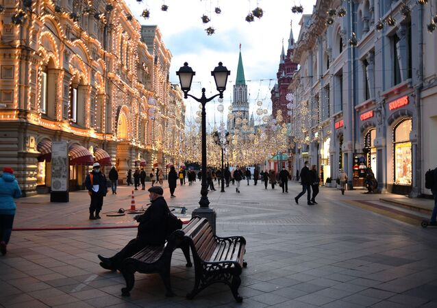 زينة أعياد الميلاد و رأس السنة في شارع نيكولسكايا في موسكو، 11 نوفمبر 2020