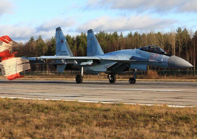 مناورات جوية  لمقاتلات سو - 35 إس  التابعة للقوات الجوية والدفاع الجوي في المنطقة العسكرية الغربية لروسيا، 6 نوفمبر 2020