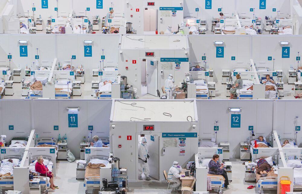 مشفى مؤقت في قصر الجليد كريلاتسكويه في موسكو، لاحتواء مرضى كويد - 19، روسيا 13 نوفمبر 2020