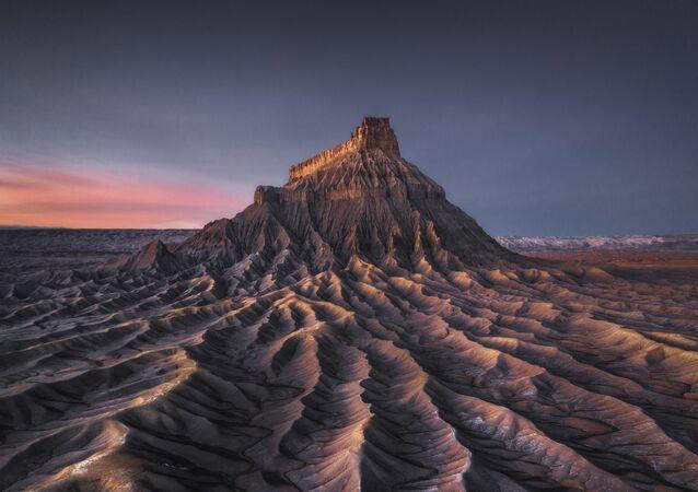 صورة بعنوان المريخ بواسطة مصور من هونغ كونغ كيلفن يوين، الفائز بجائزة المسابقة الدولية لمصور المناظر الطبيعية لعام 2020