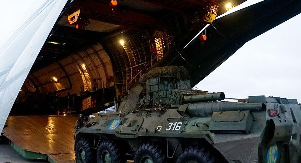 نقل عربات مدرعة وأفراد من قوات حفظ السلام الروسية إلى أرمينيا