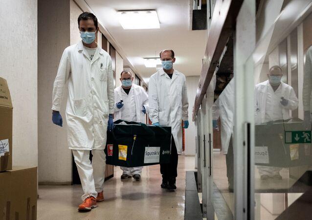 تسليم لقاح سبوتنيك V ضد فيروس كورونا  الروسي إلى المجر لإجراء التجارب السريرية 19 نوفمبر 2020