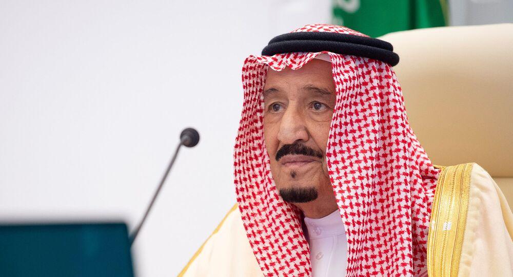 العاهل السعودي، الملك سلمان بن عبد العزيز، يلقي كلمة افتراضية خلال القمة السنوية الـ15 لقادة مجموعة العشرين في الرياض، المملكة العربية السعودية، 22 نوفمبر/ تشرين الثاني 2020