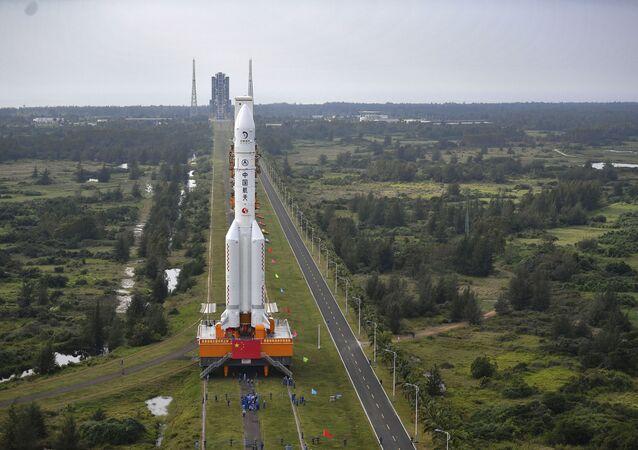 إطلاق مسبار فضائي تشانغ آه-5 لجمع عينات من القمر وإعادتها، الصين 24 نوفمبر 2020