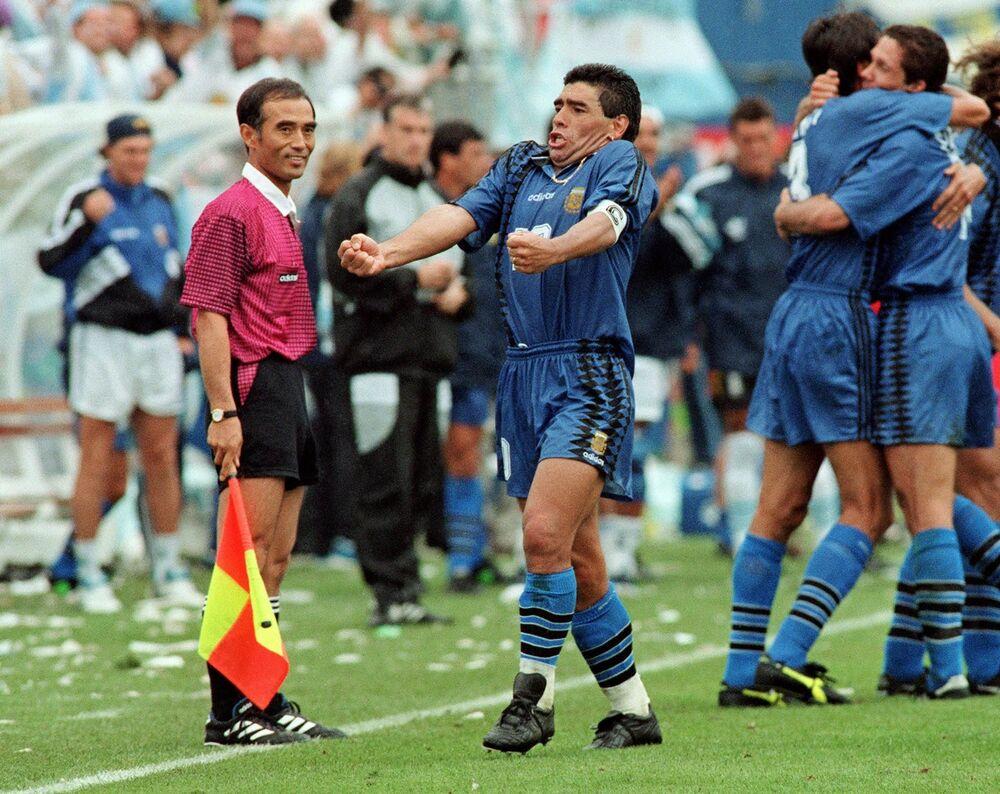 لاعب كرة القدم الأرجنتيني دييغو مارادونا، 1994
