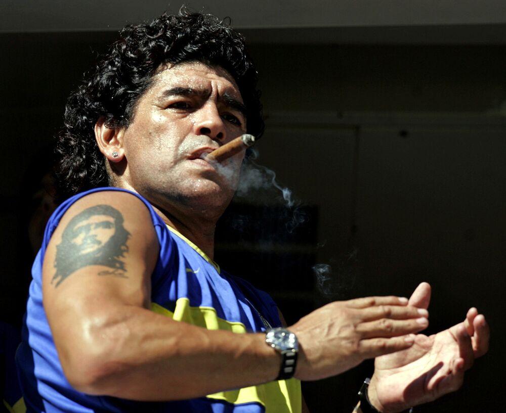 لاعب كرة القدم الأرجنتيني دييغو مارادونا، 2006