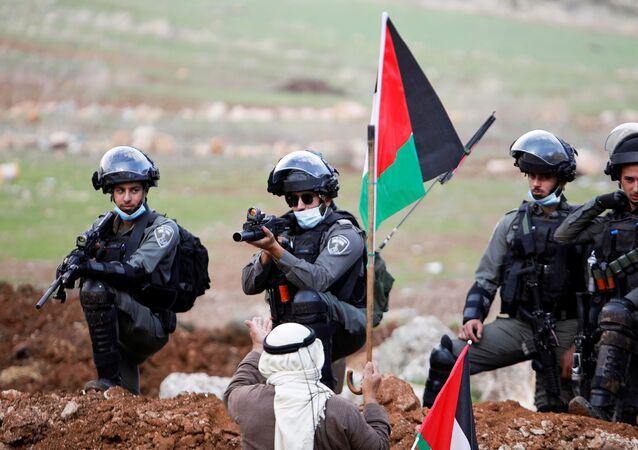 مظاهرات ضد عمليات الاستيطان في بيت دجن، الضفة الغربية، فلسطين 27 نوفمبر 2020