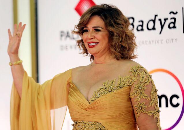 الفنانة المصرية، إلهام شاهين، في مهرجان القاهرة السينمائي الدولي الـ42