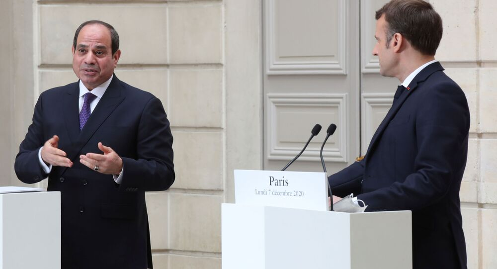 الرئيس الفرنسي، إيمانويل ماكرون والرئيس المصري عبدالفتاح السيسي في باريس، فرنسا 7 ديسمبر 2020