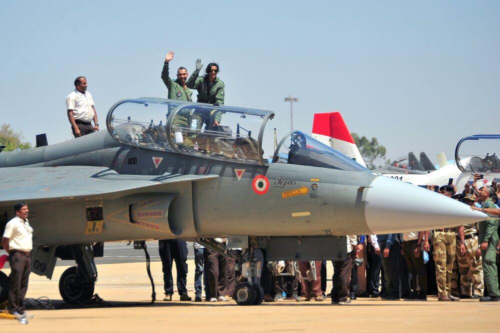 مقاتلة خفيفة الوزن متعددة المهام تيجاس هال خلال العرض الجوي Aero India 2019 في الهند