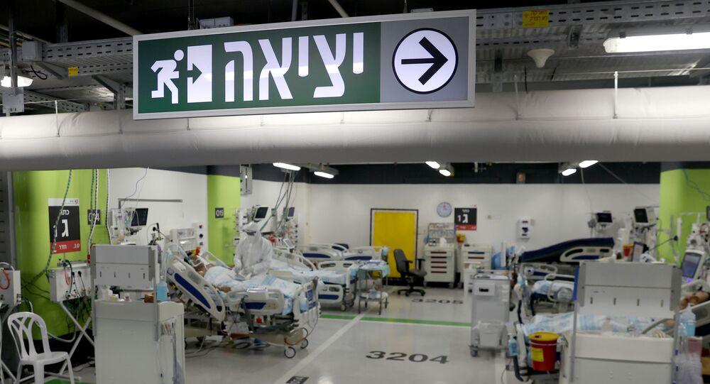جناح   خاص بمرضى الفيروس التاجي المستجد كورونا في حرم رامبام للرعاية الصحية ، في البداية يتم بناؤه كمرفق طبي تحت الأرض قبل تحويله إلى موقف للسيارات ، والذي أعيد تحويله لاستقبال المرضى مع زيادة حالات COVID-19 ، في مدينة حيفا شمال إسرائيل في 11 أكتوبر / تشرين الأول 2020