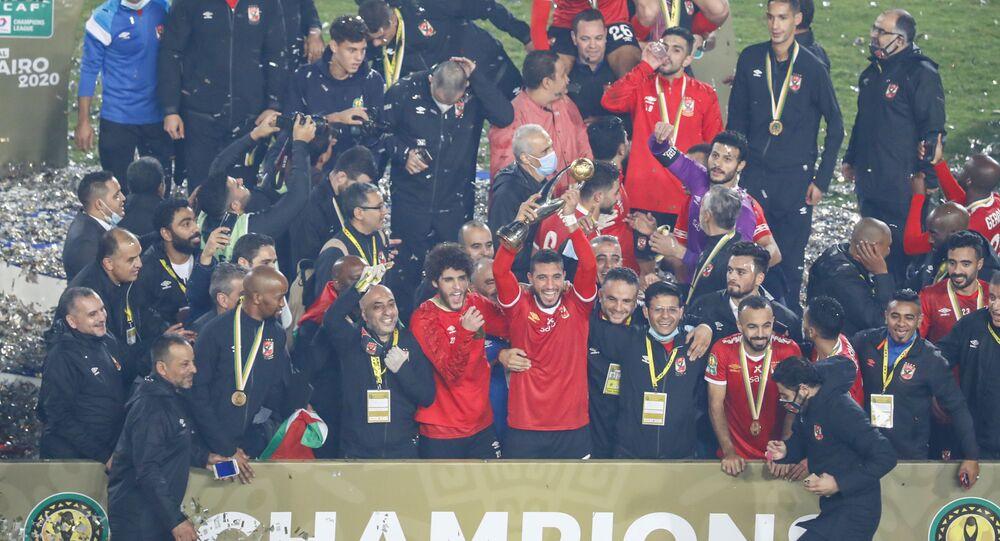 الأهلي المصري بعد الفوز على نظيره الزمالك وتتويجه ببطولة دوري أبطال أفريقيا