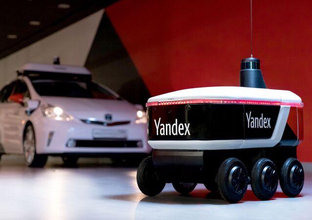 شركة ياندكس الروسية تبتكر روبوتات لتوصيل الطعام