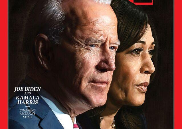 الرئيس الأمريكي المنتخب، جو بايدن، ونائبته، كمالا هاريس على غلاف مجلة تايم الأمريكية بعد اختيارهما شخصية العام لسنة 2020