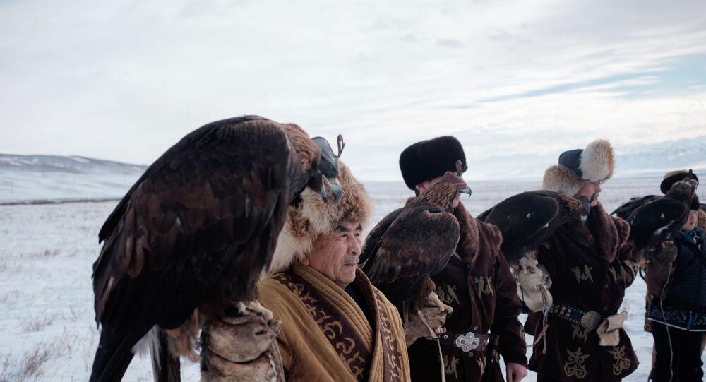 مسابقة الطيور الجارحة في كازخستان