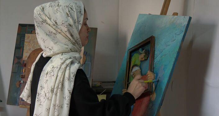 الفنانة الفلسطينية تيماء سلامة تستعين بتقنية خاصة لتمكين المكفوفين من تذوق الفن التشكيلي
