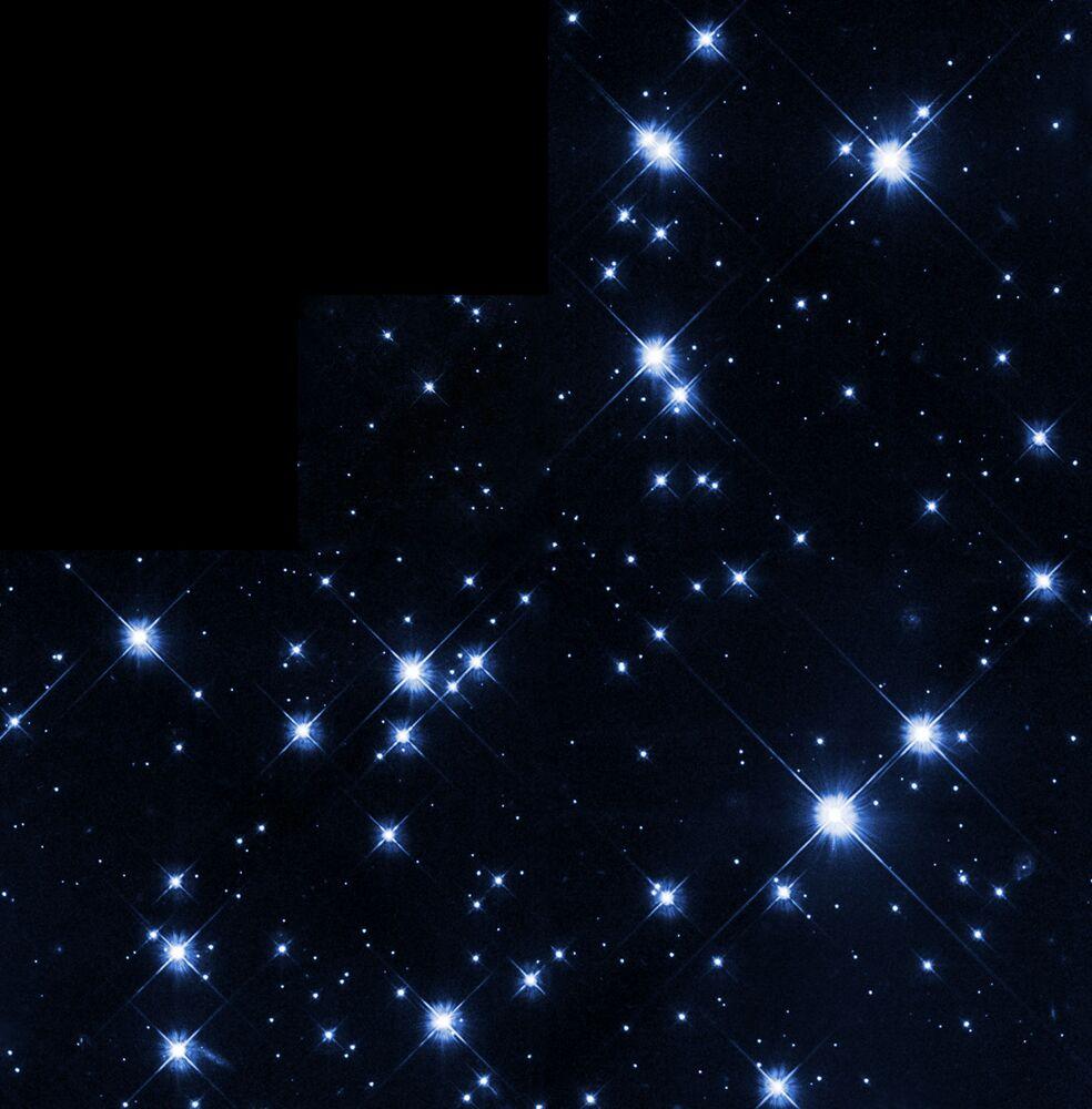 عنقود مزدوج كالدويل 14 في كوكبة حامل رأس الغول، يمكن أن ترى بالعين المجردة من مكان مظلم.