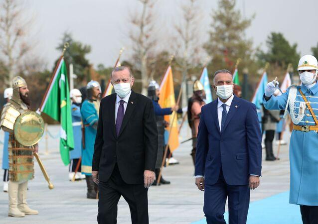 الرئيس التركي أردوغان يلتقي رئيس الوزراء العراقي مصطفى الكاظمي في أنقرة