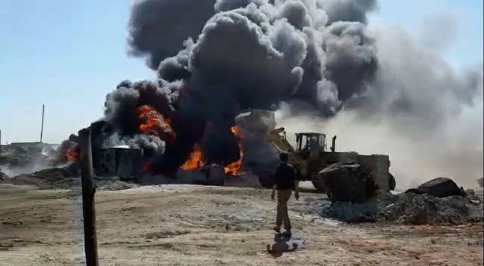 انفجار في شاحنة لسرقة النفط السوري